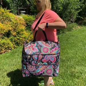 🌺 Vera Bradley HUGE Adjustable Size Traveler Bag!